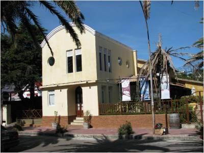 Local en venta y alquiler en Punta del Este, Península, zona Puerto.