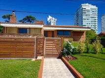Muy buena casa en venta a 1 cuadra del mar