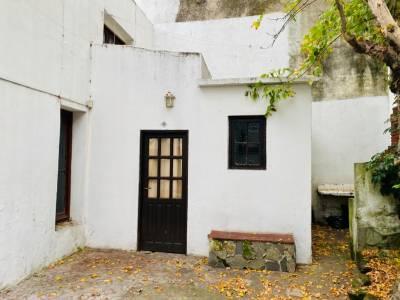 Alquiler apartamento 2 dormitorios en Cordón, con patio y parrillero.