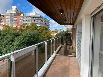 Alquiler apartamento 3 dormtiorios en Punta Carretas con Garage