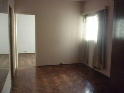 Venta apartamento Aguada 2 dormitorios con patio