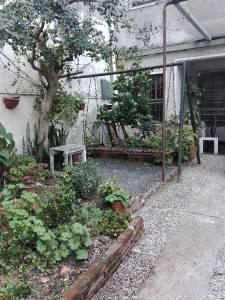 Hermosa casa de dos plantas en muy buen punto de Tres Cruces!