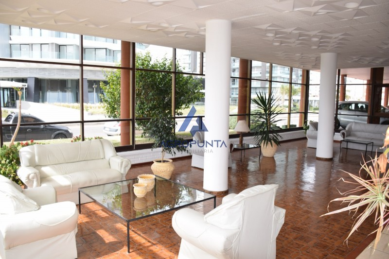 Apartamento un ambiente en Punta del Este
