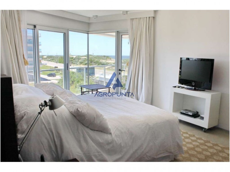 Apartamento en Rincón del Indio, 4 dormitorios *