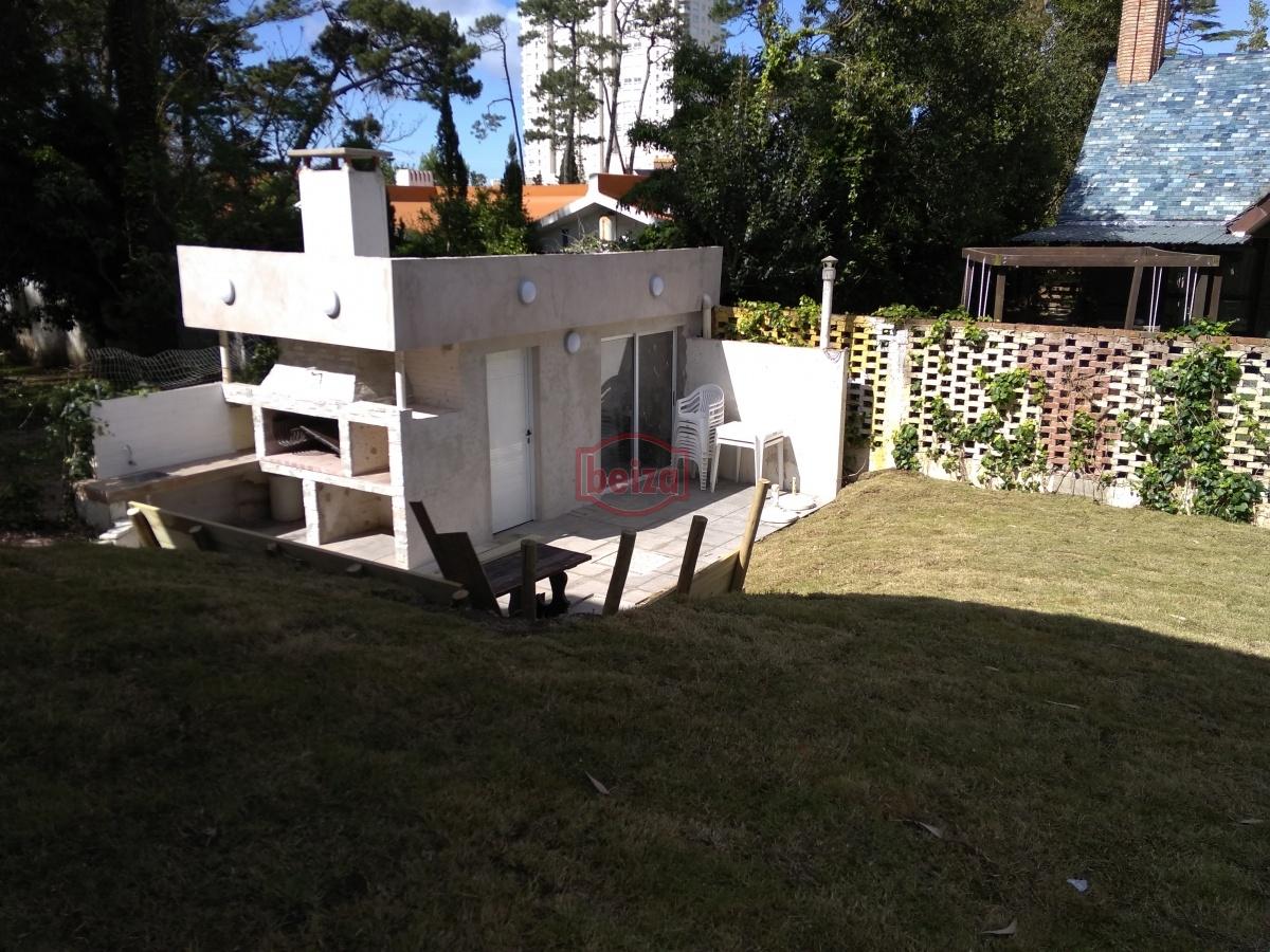 Casa ID.163142 - Casa de dos plantas en Pda 16 de la Mansa a 4 cuadras de la costa.